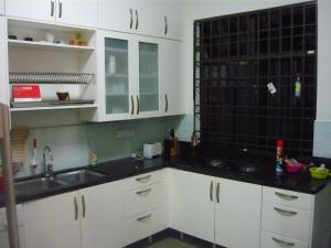 A kitchen or kitchenette at Penang Holiday House