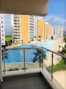 Bazén v ubytování Ceasar Resort Cyprus - Apartment Leona nebo v jeho okolí