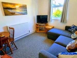 A television and/or entertainment centre at Summerhill Apartments