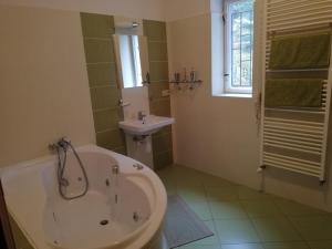 Koupelna v ubytování Penzion Pancéř