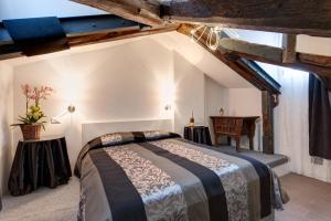 A bed or beds in a room at Nice Venice Apartment in San Marco