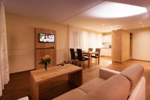 Ein Sitzbereich in der Unterkunft Wohntel - wohnen wie im Hotel