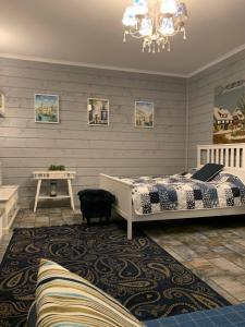 A bed or beds in a room at Villa Romantica