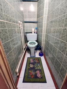 A bathroom at Ул Академика Павлова 11