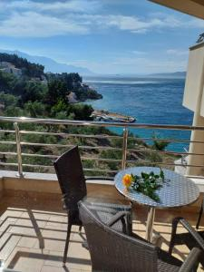 A balcony or terrace at Villa Venera Mimice
