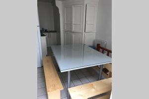A kitchen or kitchenette at Grande maison de pecheur pour 9-12 refaite a neuf plein centre