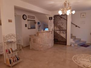 The lobby or reception area at Villa Claudia
