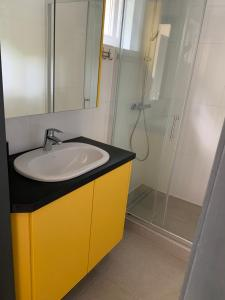 A bathroom at Terrasses de Malmedy Connecto Duplex 435 & 436