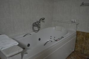 Ένα μπάνιο στο Hotel Agistro