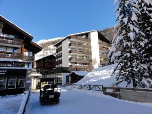 Haus St. Bernhard בחורף