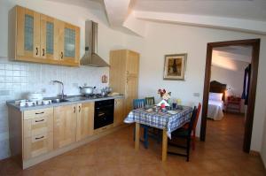 Küche/Küchenzeile in der Unterkunft Acero Appartamenti