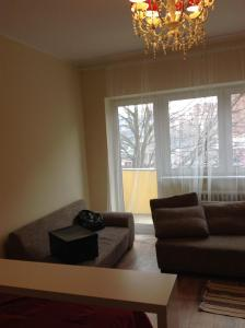A seating area at Spree Apartment in Berlin Mitte