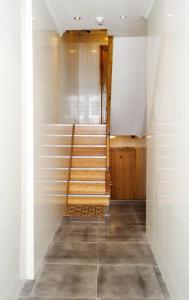A bathroom at London Finsbury Park Apartments