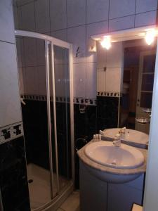 A bathroom at Bruges Blankenberge Coast Condo