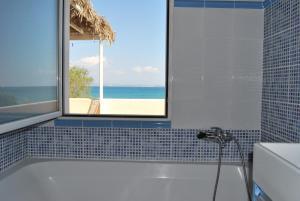 A bathroom at Spiti Anatoli