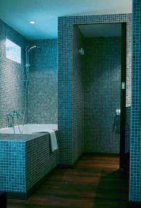 A bathroom at Carlina Lodge