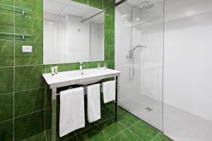 Un baño de Elba Castillo San Jorge & Antigua Suite Hotel