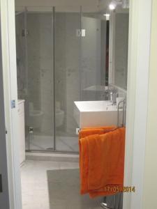 A bathroom at Prince Moncada