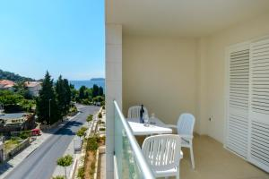 A balcony or terrace at Dvori Lapad
