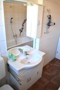 Ein Badezimmer in der Unterkunft Linz CITY