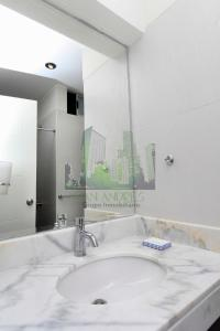 A bathroom at Luxury Apartment Barranco 360°