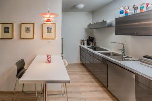 海維費斯格塔公寓酒店廚房或簡易廚房