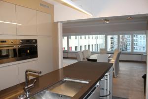 Cuisine ou kitchenette dans l'établissement Golden Tulip