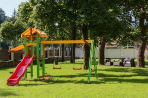 Детска площадка в Къща за гости Витора