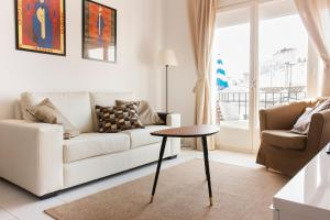 A seating area at Subur Apartments