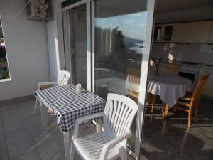 A balcony or terrace at Apartments Villa Goja