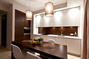 Een keuken of kitchenette bij Platinum Residence