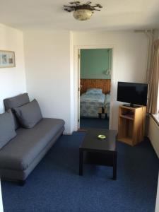 Een zitgedeelte bij Hotel Noordzee