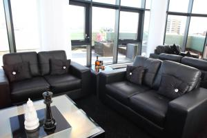 A seating area at Westport Serviced Apartments