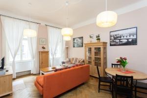 Coin salon dans l'établissement Centre Apartment Řeznická