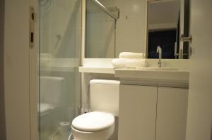 A bathroom at Goldenland Home Service