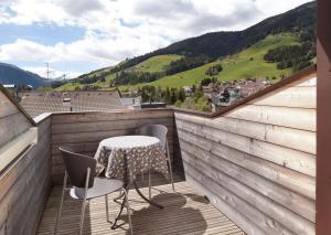 Uma varanda ou terraço em Residence Innichen - San Candido