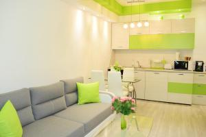 A kitchen or kitchenette at Marrinella Apartments