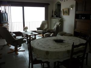 Een zitgedeelte bij Apartment Noordzee 7