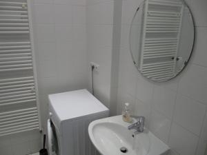 A bathroom at Apartmán Old centre - Rybárska brána