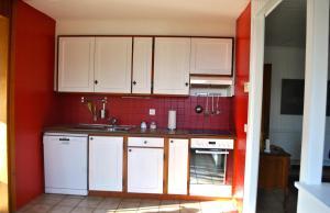 Küche/Küchenzeile in der Unterkunft Maison au bord du lac