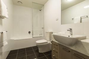 A bathroom at Quest Melbourne Airport