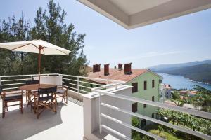 A balcony or terrace at Casa M Rabac