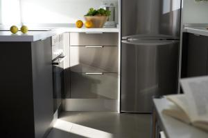 A kitchen or kitchenette at Smart Suites Albaicin
