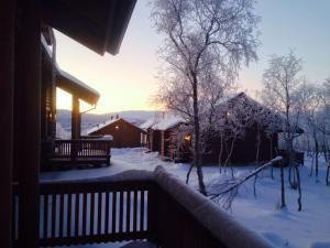 Kilpisjärven Tunturimajat talvella