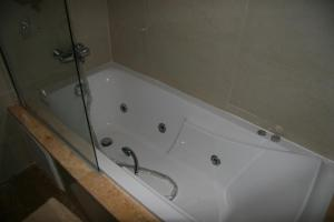 A bathroom at The Greens