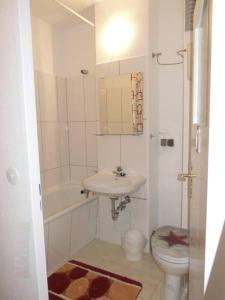 Ein Badezimmer in der Unterkunft Messeperle möbliertes Apartment