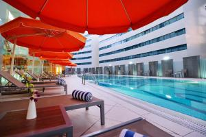 The swimming pool at or near Holiday Villa Hotel & Residence City Centre Doha