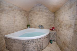 A bathroom at The Spirit Of Tzfat Villa