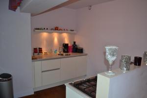 Een keuken of kitchenette bij Dols Apartment