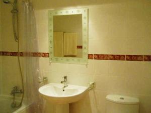 A bathroom at Marina Bay Gibraltar